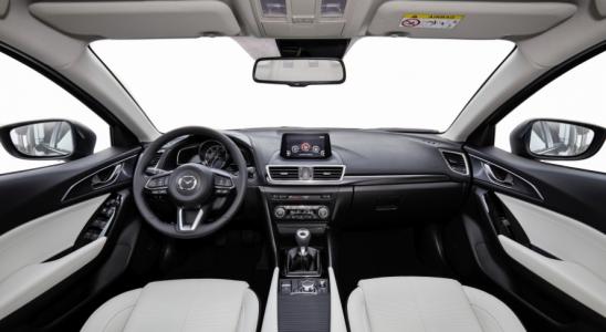 Mazda3 Salon samochodowy Anndora Kraków