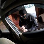 Kradzież samochodu. Jak uchronić auto przed złodziejem?