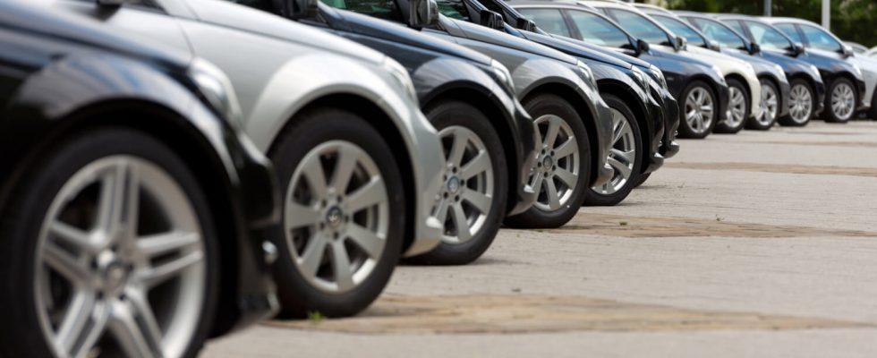 Auto giełda, salon samochodowy, sprzedaż samochodów
